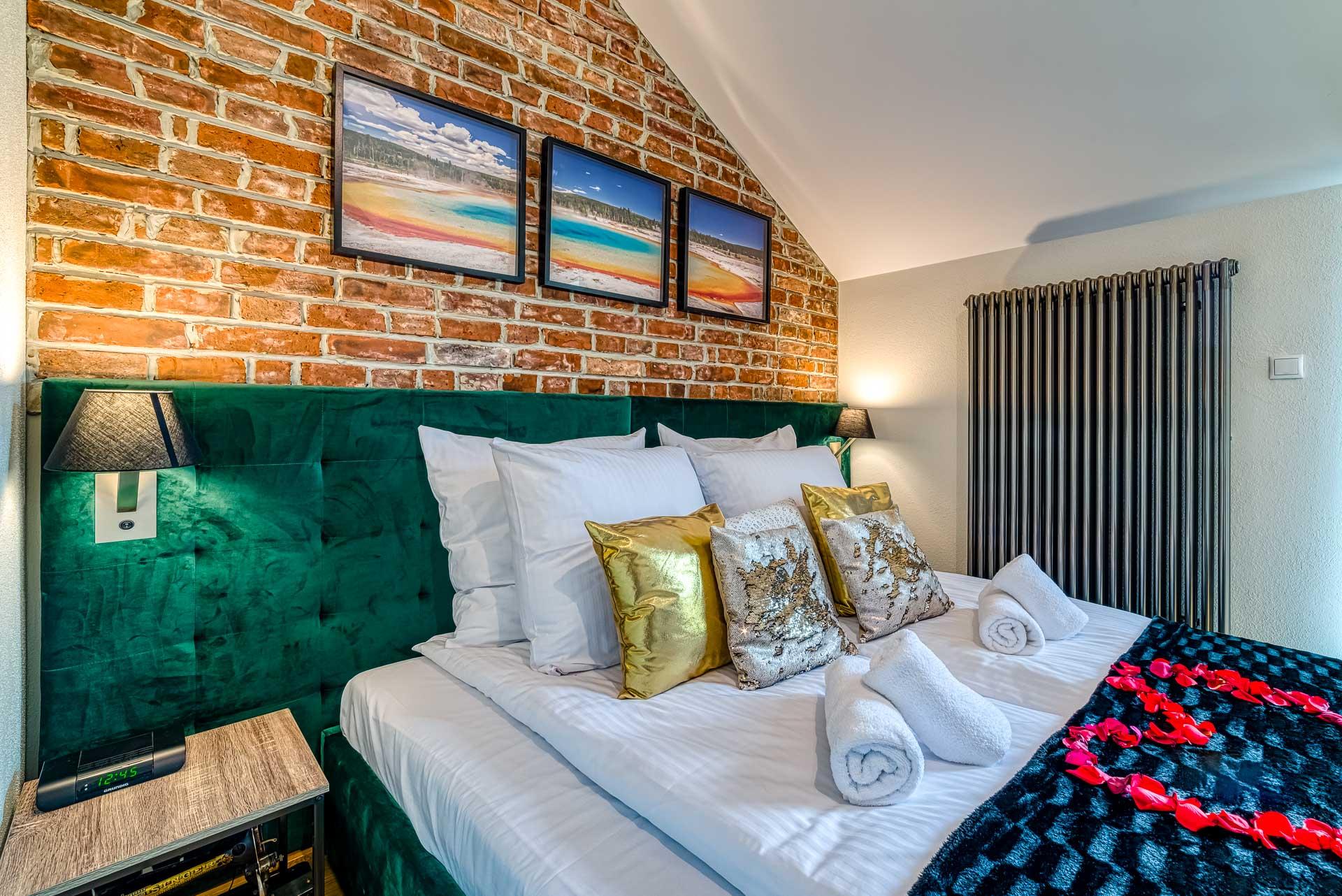Top Romantic Room 3