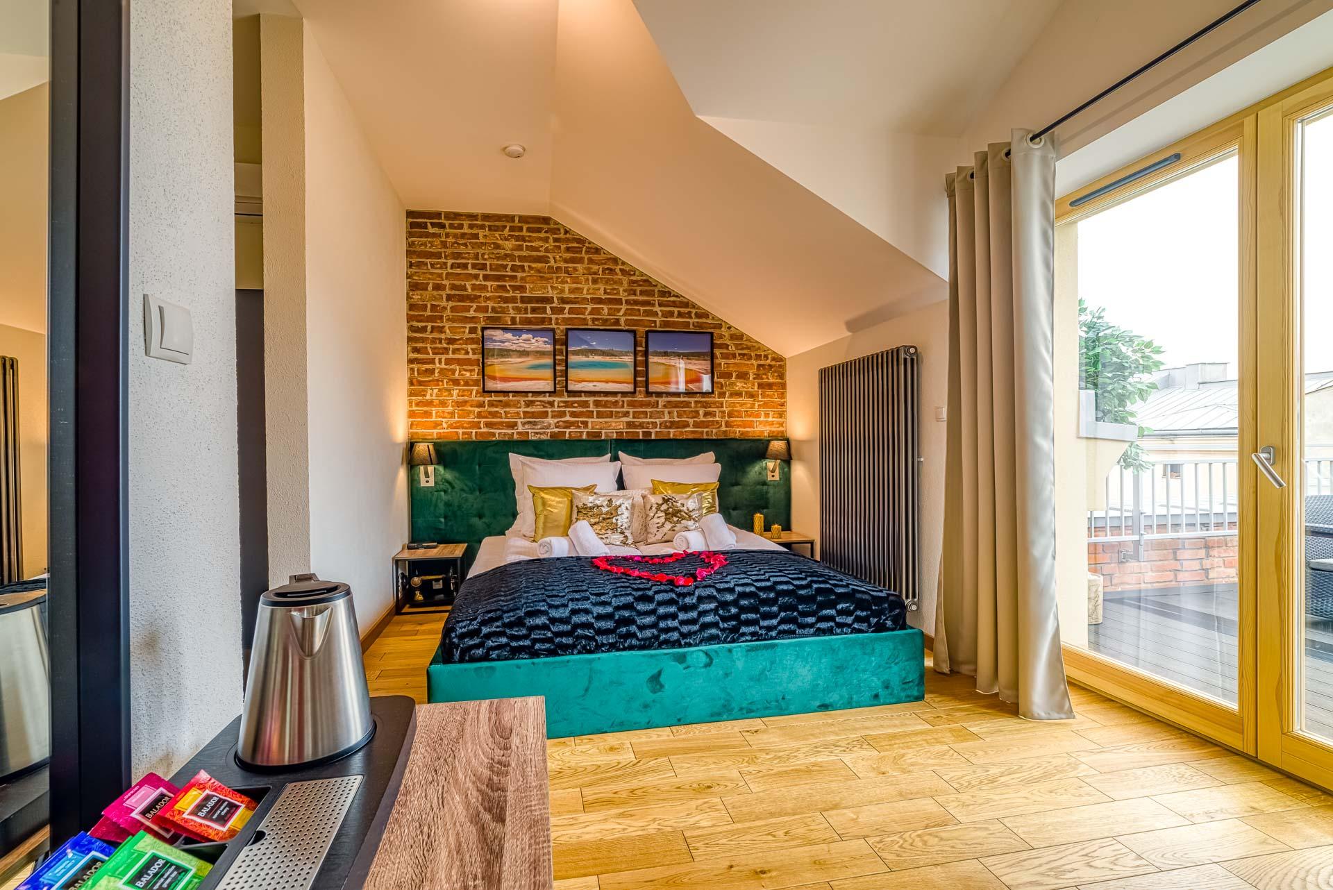 Top Romantic Room 10
